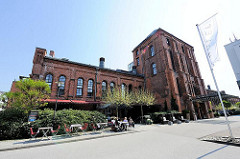 Industriegebäude - Kohlenhalle Nord - Bahrenpark Hamburg Altona  - genutzt als Hotel.