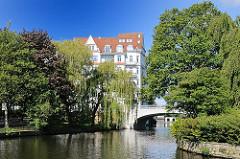 Bilder aus Hamburg Harvestehude - Bezirk Eimsbüttel - Einfahrt zum Isebekkanal.