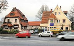 Historische Architektur in Hamburg Hausbruch - Einzelhäuser im Heimatstil, Cuxhavener Straße.