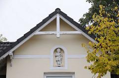 Bauschmuck Fassadendekor - Gründerzeitgebäude Merkenstrasse.