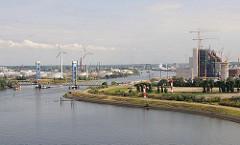 Suederelbe Koehlbrand Kraftwerk Moorburg.