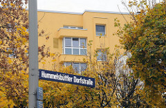 Neubausiedlung - Grosssiedlungen in Hamburger Vororten - Hummelsbuettler Dorfstrasse