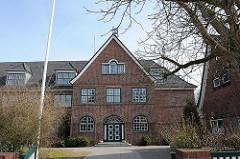 Schule Kirchwerder - Schulgebäude auf dem Hamburger Land / in den Vierlanden.