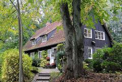 Wohnen in den Hamburger Vororten - Einzelhaus in der Bredenbekstrasse, Stadtteil Hamburg Wohldorf