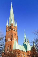 evangelisch-lutherische St. Johanniskirche; sie wurde 1880 bis 1882 im Stil der Neugotik erbaut.