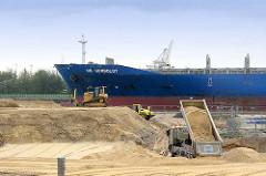 Bauarbeiten am Kirchenpauerkai - Schiff auf der Norderelbe; Bilder aus der Hansestadt Hamburg.
