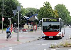 Haltestelle Hamburg Hamm - U-Bahn, Autobus.