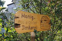 Holzschild mit Brandmalerei - Honig aus eigener Imkerei - Hamburg Sülldorf.