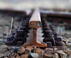 Stillgelegte Bahnstrecke an der Versmannstrasse - die Gleise werden aufgetrennt und abtransportiert. 2007