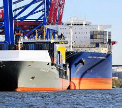 Containerfrachter am Burchardkai im Hamburger Hafen - Feederschiff CHARLOTTA - Containerfrachter CMA CGM LAPEROUSE