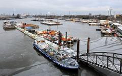 Schiffe im Travehafen in Hamburg Steinwerder - Bilder aus dem Hamburger Hafen.