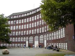 Schule Krausestrasse, Stadtteil Dulsberg - Architekt Hamburger Oberbaudirektor Fritz Schumacher