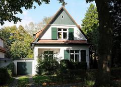 Wohnhaus / Einzelhaus in Hamburg Niendorf. Wohnen in Hamburgs Vororten, leben im Grünen.