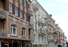 Seitenstrasse in Hamburg Hohenfelde - mehrstöckige Wohngebäude im Gründerzeitstil,