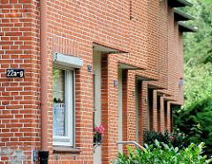 Hauseingänge - Ziegelfassade; Architektur aus dem Stadtteil Lohbrügge.