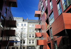 Moderne Archtitektur und historische Altbauten im Hamburger Stadtteil St. Pauli, Bezirk Hamburg Mitte.