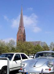 Bilder aus dem Hamburger Stadtteil ALTSTADT - ehem. Parkplatz auf dem Domplatz vor der St. Petrikirche ( 2001 )