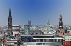 Bilder aus Hamburg - Türme in der Hamburger Altstadt - St. Nikolaikirche - St. Katharinenkirche, Rathaus Hamburg.
