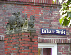 Bauschmuck Klinkerfassade Elsässer Strasse Stadtteil Dulsberg.
