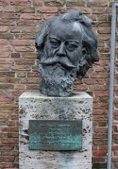 Bronze Büste Johannes Brahms  Konservatorium.