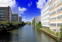 Bürogebäude am Mittelkanal - Fotos aus dem Hamburger Stadtteil Hamm.