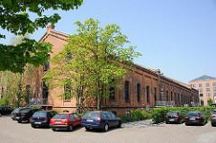 Backsteingebäude - historische Industriearchitektur Hamburgs - Gaswerk Bahrenfeld.