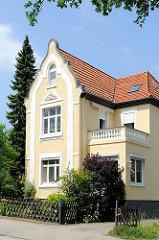 Einzelhaus in Gründerzeit-Architektur; Architekturfotos aus den Hamburger Stadtteilen - Baustile der 19 Jahrundertwende.