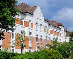 Mehrstöckige Wohngebäude in Hamburg Bahrenfeld - erbaut um 1910 vom Altonaer Spar- und Bauverein.