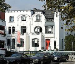 Jugenstilvilla am Hofwegkanal - Architekturfotos aus Hamburg, Bilder aus den Hamburger Stadtteilen.