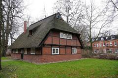 Restauriertes historisches Fachwerkgebäude Rauhes Haus