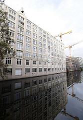 Historisches Gebäude an der Hammerbrookstrasse / Suedkanal.