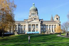 Hamburgs historische Architektur - Oberlandesgericht am Sievekingplatz - erbaut 1912 - Architektenbüro Ludt & Kallmorgen.