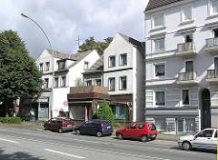 leerstehende Einzelhäuser mit Laden - Lokstedter Weg - Hamburg Eppendorf; Etagenhäuser.