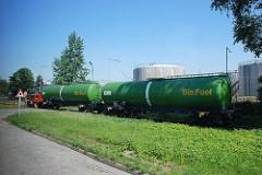 Tankwagen mit Biokraftstoff auf den Gleisen der Hafenbahn im Hamburger Hafengebiet Waltershof.