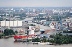 Blick auf den Reiherstieg, der die Norderelbe mit der Süderelbe verbindet - Bilder aus dem Hamburger Hafen.
