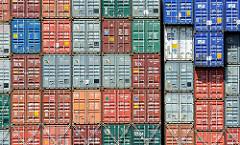 Unterschiedlich farbige Container - Containerstapel Terminal Hamburg Altenwerder.