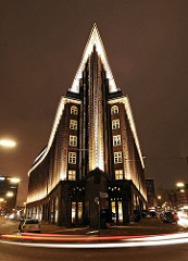 Hamburger Altstadt Kontorhäuser Chilehaus bei Nacht Nachtaufnahme von Hamburg.