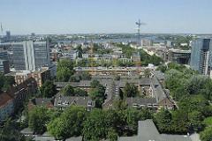 Luftaufnahme von Hamburg St. Georg (2008) - Grossbaustelle mit Baukran an der Langen Reihe. Aussenalster im Hintergrund.