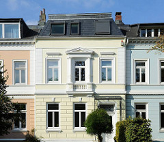 Farbig gestaltete Fassaden; Stadtthäuser in Hamburg Eilbek, Baustil im Historismus.