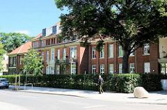 Umnutzung der Krankenhausgebäude zu Wohnhäusern - Bilder aus Hamburg Barmbek Nord.