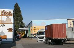 Spediton Container Lagerei in der Werner Siemens Strasse.