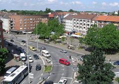 Luftaufnahme Winterhuder Marktplatz - Blick über den Markt zur Alsterdorfer Strasse.