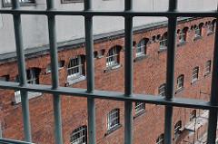 Gefängniszelle - Fuhlsbüttler Knast - Hamburger Gefängnisse - Fenstergitter.