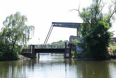 Historische Klappbrücke - Holzhafen Harburg, Lotsekanal.