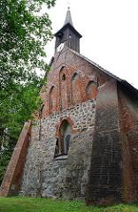 Feldsteinmauer der Sinstorfer Kirche - Hamburgs ältestes Gebäude; Ursprung im 11. Jhd.