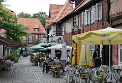 Restaurants Kopfsteinpflaster in der Harburger Alstadt - Fachwergbebäude 17. Jhd. Lämmertwiete.