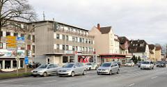 Gewerbeimmobilien - Bürohauser, Einzelhäuser in der Cuxhavener Strasse, Hamburger Stadtteil Hausbruch - Bezirk Harburg; Neubauten + Altebauten.