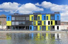 Schwimmendes Ausstellungsgebäude, Bürogebäude - IBA DOCK - IBA Hamburg GmbH.