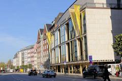 Dammtorstrasse in Hamburg Neustadt - Gebäude der Hamburgischen Staatsoper.
