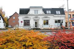 Einzelhaus mit Geschäft - historismus Architektur Luruper Hauptstrasse.